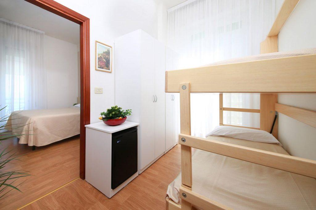 Letto A Castello Triple.Camere Family Quadruple Triple E Comunicanti Hotel Lungomare